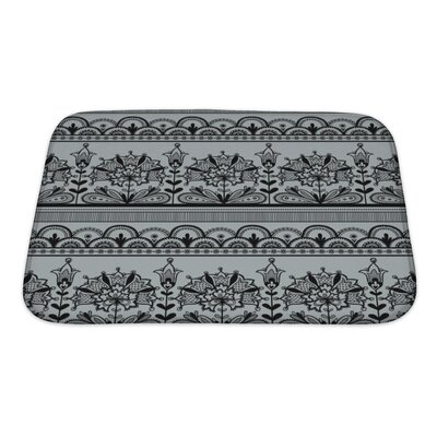 Gecko Lace Pattern Bath Rug Size: Small