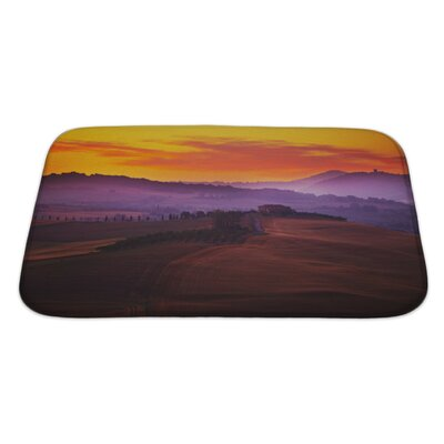 Landscapes Tuscany at Sunset in Summer Bath Rug Size: Large