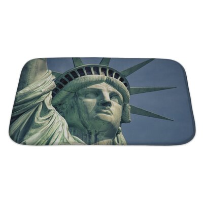 Patriotic Monument in Manhattan and Statue of Liberty Bath Rug Size: Large
