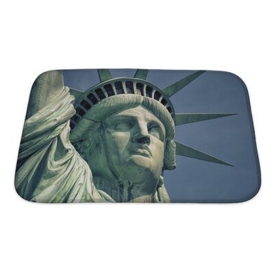 Patriotic Monument in Manhattan and Statue of Liberty Bath Rug Size: Small