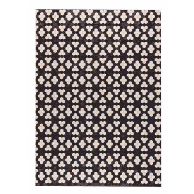 Star Hand Woven Black/White Area Rug Rug Size: 9 x 12