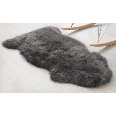 Handmade Dover Gray Area Rug