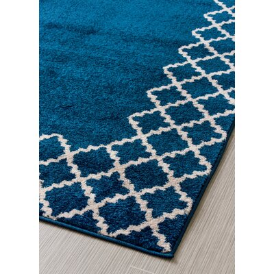 Summerfield Transitional Blue/White Area Rug Rug Size: 5 x 7