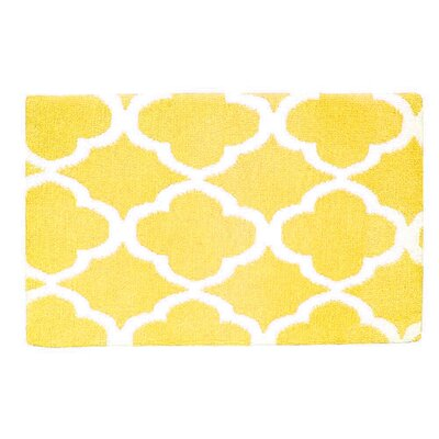 Quatrefoil Memory Foam Bath Rug Color: Yellow/White