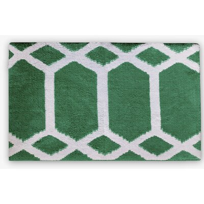 Trellis Memory Foam Bath Rug Color: Emerald/White