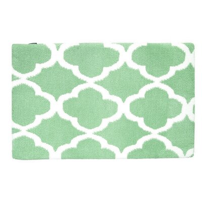 Quatrefoil Memory Foam Bath Rug Color: Jade Green/White
