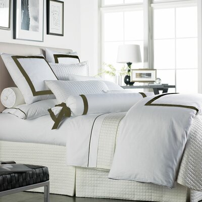 Chopin Duvet Cover Size: King, Color: White / Moss