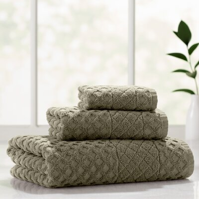 Flanagan 3 Piece Towel Set Color: Olive