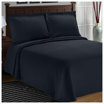 Benito Diamond Solitaire Matelasse Bedspread Size: Full, Color: Navy Blue