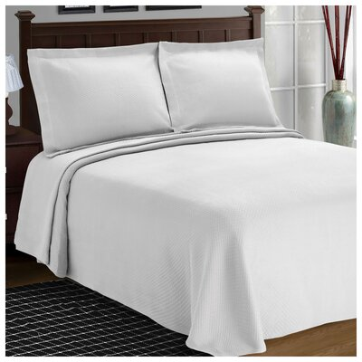 Benito Diamond Solitaire Matelasse Bedspread Size: Twin, Color: White