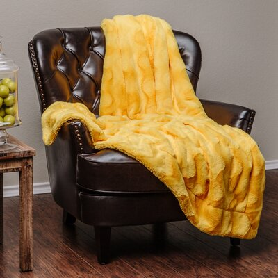 Super Soft Warm Elegent Waivey Pattern Cozy Sherpa Throw Blanket Color: Yellow