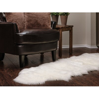 Faux Sheepskin White Area Rug Rug Size: 2 x 6