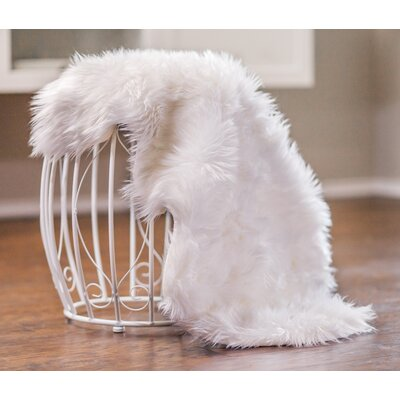 Manor Chair Cover Shaggy White Area Rug