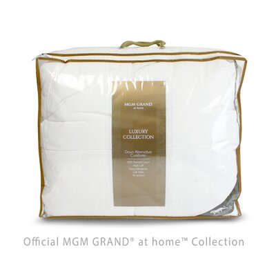 Luxury All Season Down Alternative Comforter Size: King/California King