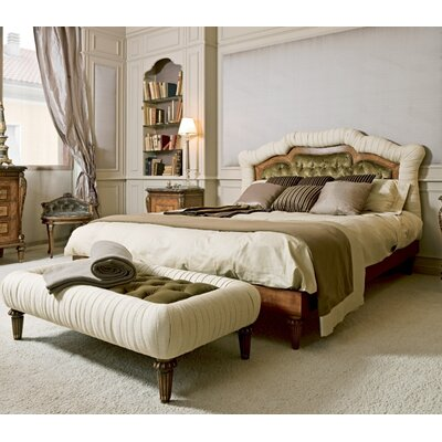 Venezia Upholstered Platform Bed Size: King