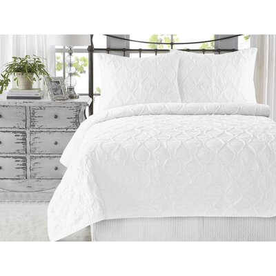 Wavy Ruffled 3 Piece Quilt Set Color: Bright White, Size: King