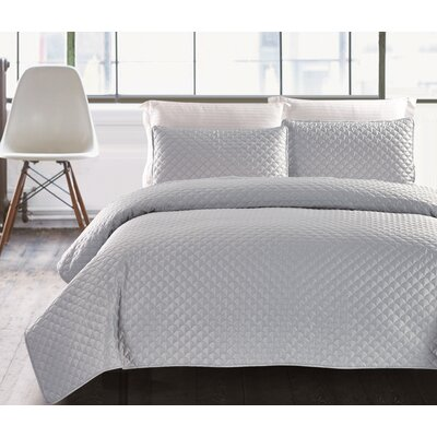 Hotel Jewel 3 Piece Coverlet Set Size: Full/Queen, Color: Silver