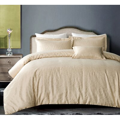 Buckingham Bloom 4 Piece Comforter Set Size: Full/Queen, Color: Champagne