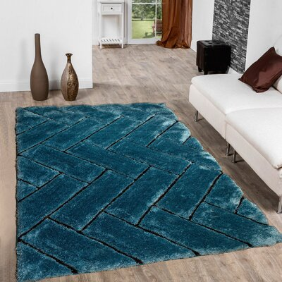 Hand-Tufted Sky Blue Area Rug Rug Size: 76 x 105