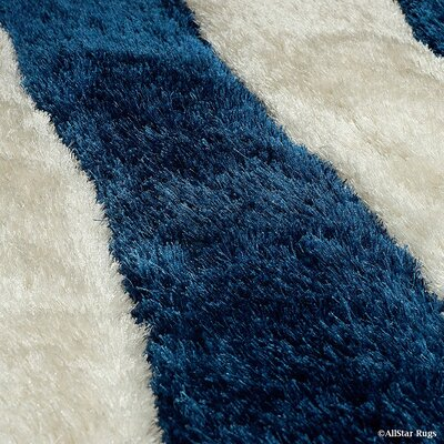 Hand-Tufted Cobalt Area Rug Rug Size: 5 x 7
