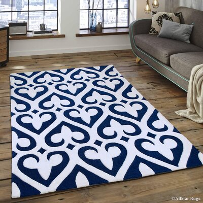 Hand-Tufted Blue Area Rug Rug Size: 77 x 106