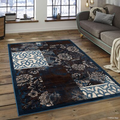 Alicia Floral Area Rug Rug Size: 52 x 72