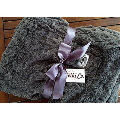 Sarai Couture Throw Color: Charcoal