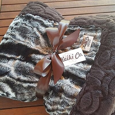 Figueroa Chocolate Marble Couture Throw