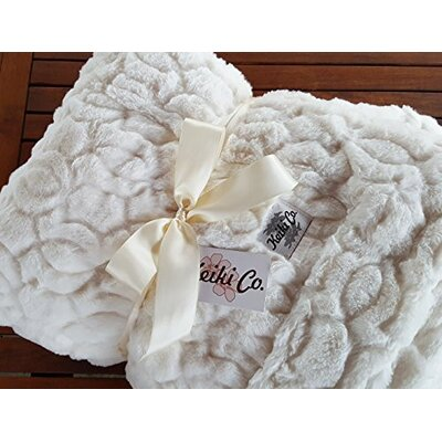 Armer Moscow Couture Throw Color: Ivory