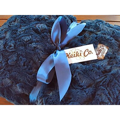 Sarai Couture Throw Color: Navy