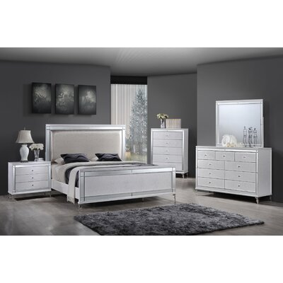 Panel 4 Piece Bedroom Set Size: Queen