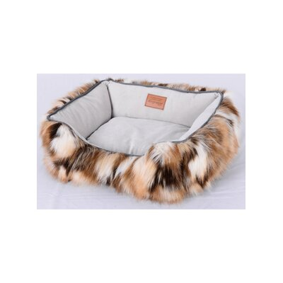 Faux Camel Fur Dog Bed Size: Medium (22 L x 26 W)