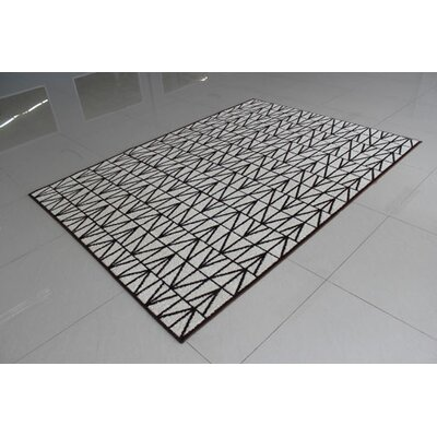 Ivory/Brown Area Rug Rug Size: 53 x 72