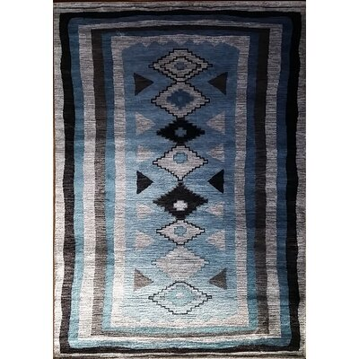 Shuntae Light Blue Area Rug Rug Size: Runner 27 x 910