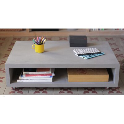 Monobloc Coffee Table with wheels