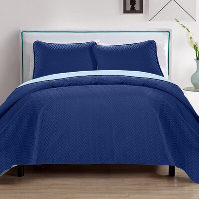 Chevron 3 Piece Embroidered Quilt Set Color: Navy/Blue
