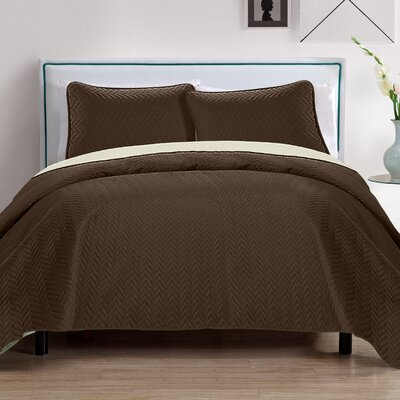 Chevron 3 Piece Reversible Quilt Set Color: Brown/Beige