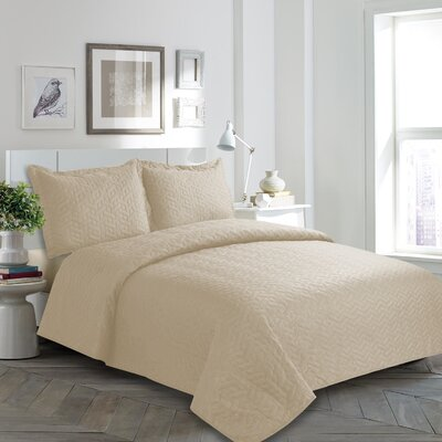Mclaughlin Quilt Set Color: Ivory, Size: King