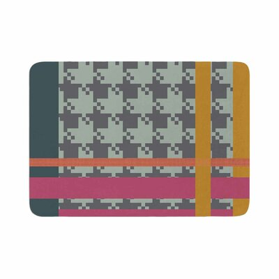 Pellerina Design Houndstooth Color Block Contemporary Memory Foam Bath Rug Size: 0.5 H x 17 W x 24 D