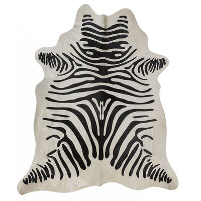 Zebra Hand-Woven Black/White Area Rug Rug Size: Novelty 6 x 8