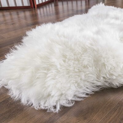 Sheepskin Natural Ivory Area Rug