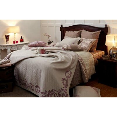 Royal Insignia Duvet Cover Size: King, Color: Pink