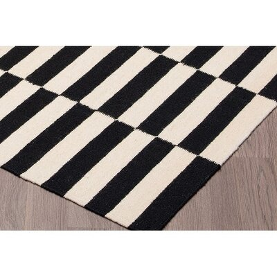 Logan Square Kilim Reversible Hand Woven Wool Black/Ivory Area Rug Rug Size: Rectangle 8 x 10