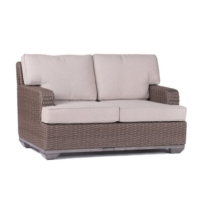 Vicki Loveseat�with�Cushion