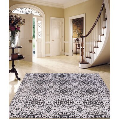 Hand-Knotted Wool Ivory/Black Area Rug