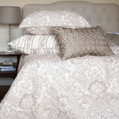 Liana Quilt Size: King, Color: Sandstone