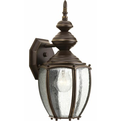 Triplehorn1-Light Wall Lantern in Clear Seeded Glass