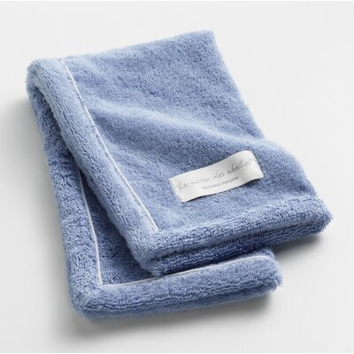 Orchard Ultra Absorbent Hand Towel Color: Blue