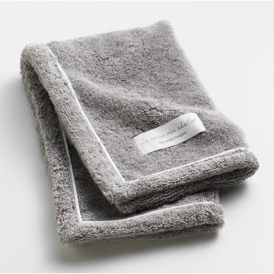 Orchard Ultra Absorbent Hand Towel Color: Grey
