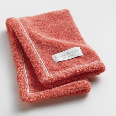 Orchard Ultra Absorbent Hand Towel Color: Coral